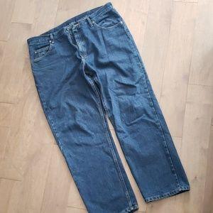 Wrangler dark blue relaxed fit mens jeans